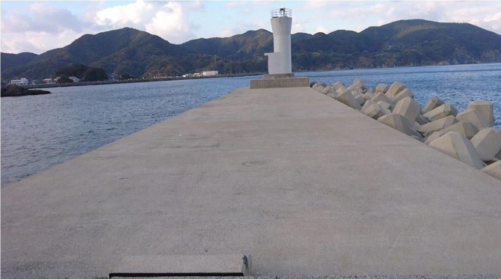 長崎樺島漁港(かばしま)の釣り場!公衆トイレあり常夜灯あり水深あり!